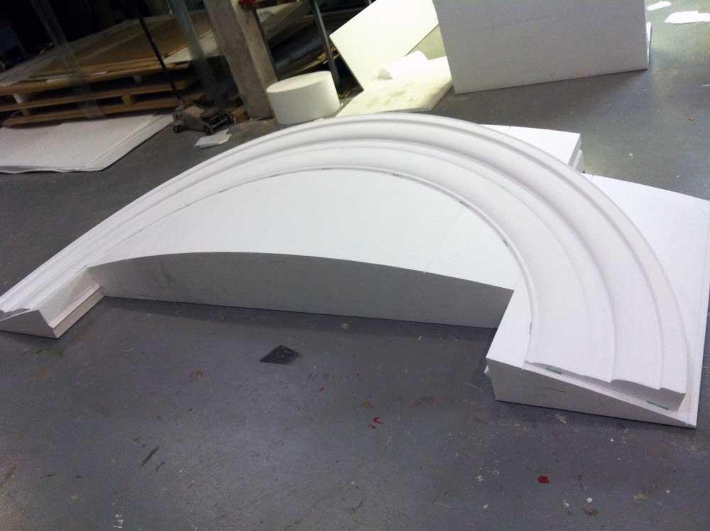 Moule de corniche cintrée en polystyrène