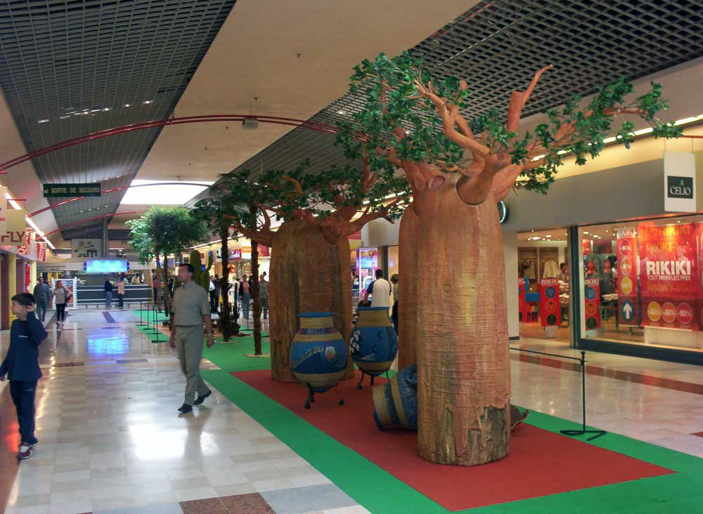 Réalisation de décors en polystyrène + résine pour des animations de centres commerciaux.