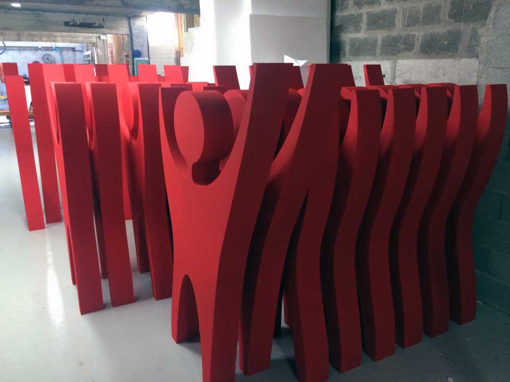 silhouettes 2D en polystyrène découpé.