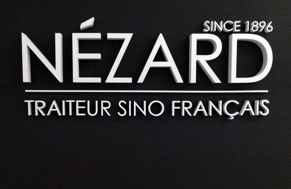 Découpe de lettres en polystyrène pour la société Nézard.