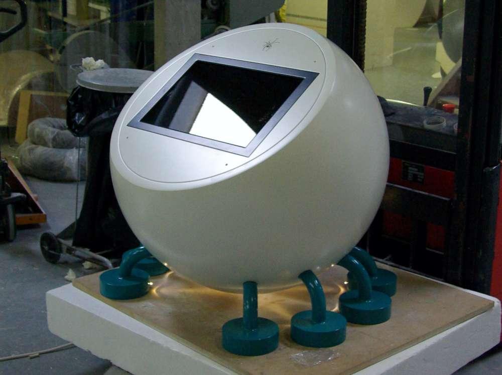 Fabrication d'un meuble interactif en polystyrène + résine.