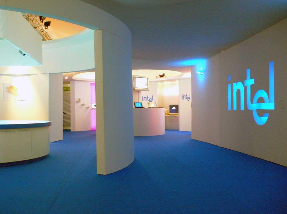 Conception et fabrication d'un stand pour Intel en polystyrène + bois
