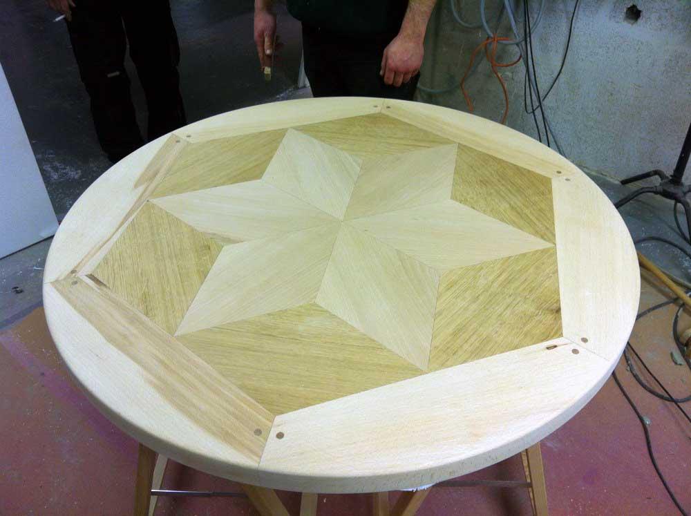 Usinage 2D de bois massif pour la réalisation d'une table.